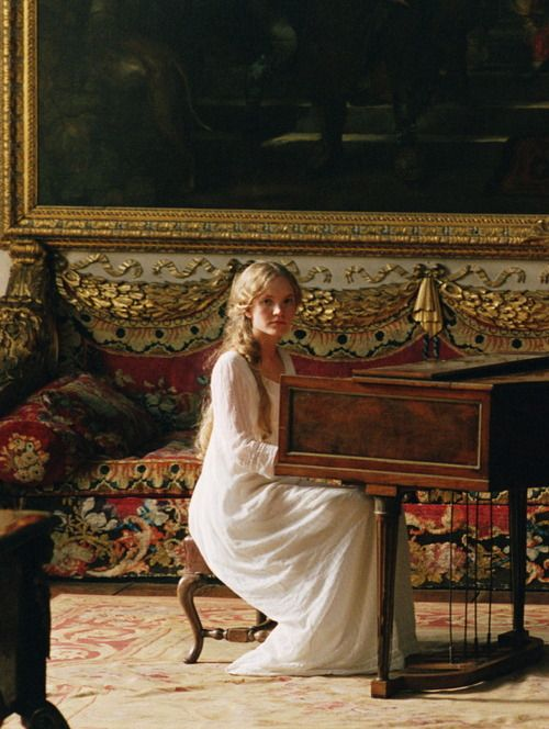 Tamzin Merchant as Georgiana Darcy in Pride and Prejudice (2005).