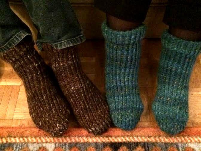Calcetines tejidos en telar por Sam B.