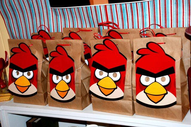 Favors at an Angry Birds Party #angrybirds #partyfavors