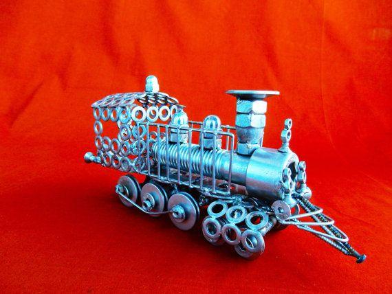 Vecchio modello di  locomotiva a carbone di stevieacciaio su Etsy