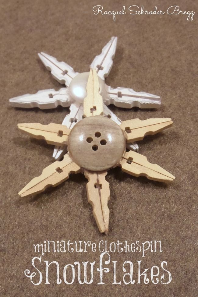 Make Christmas ornaments from clothespins and buttons. clothespin snowflakes