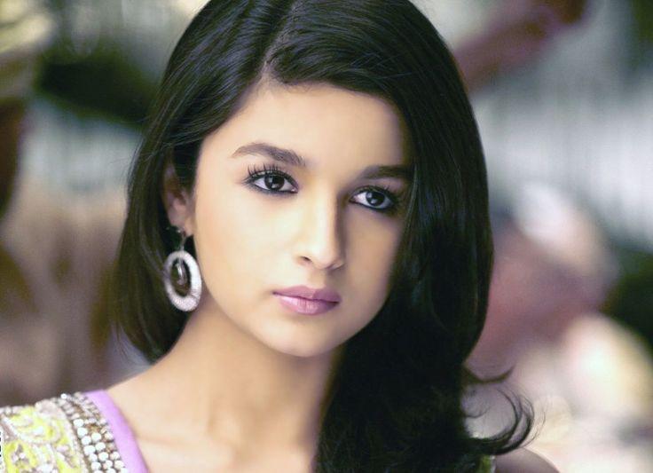 Алиа Бхатт