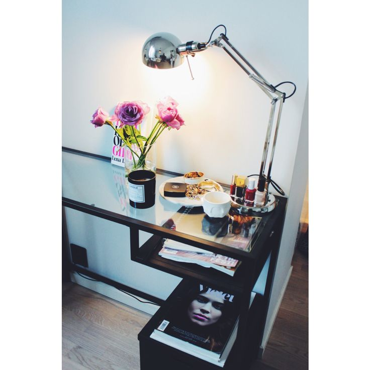 Home office!   http://oda-viktoria.squarespace.com/blog/2015/5/19/its-a-office-kind-of-day