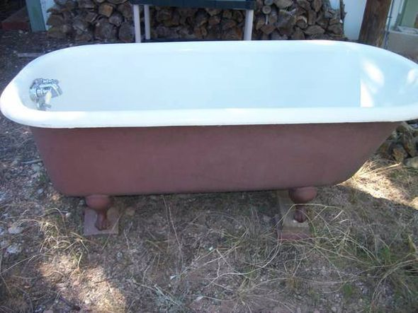 Never ever do the epoxy paint resurfacing on the interior i used miracle method and regret it - Painting clawfoot tub exterior paint ...