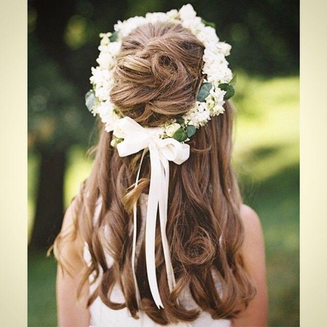 Penteado encantador para as daminhas.    ❤️ Adorable.