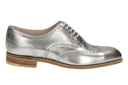 Dieser Schuh veredelt jedes festlich-elegante Outfit. Bestellen Sie die Isabella Carla Dandy-Schuhe aus unserer MADE IN ENGLAND Kollektion für 450,00 Euro: http://www.clarks.de/p/26112537