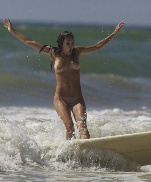 nude surfer girls