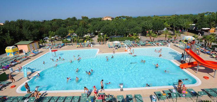 La piscina del camping Don Antonio, Giulianova. Villaggio sul mare d'Abruzzo. www.campingdonantonio.it
