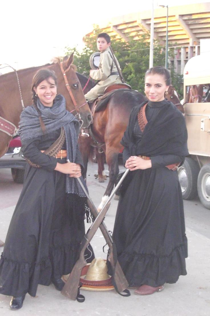 Adelitas mexicanas... orgulloso origen de la escaramuza charra.