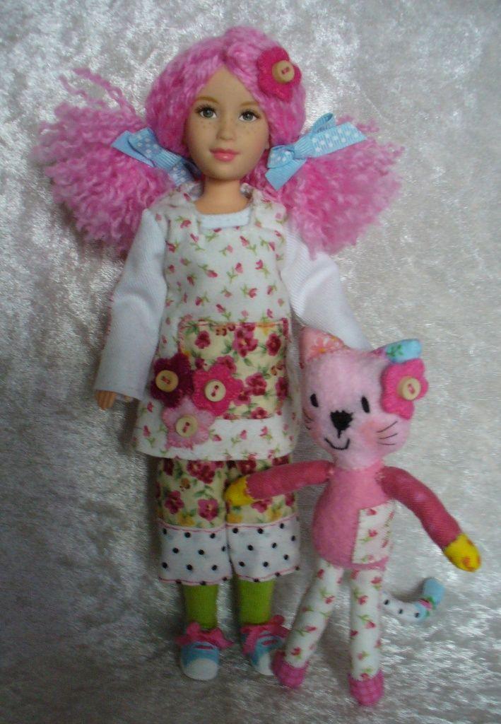 Custom Emily Button and Bobble by ~redmermaidwerewolf on deviantART