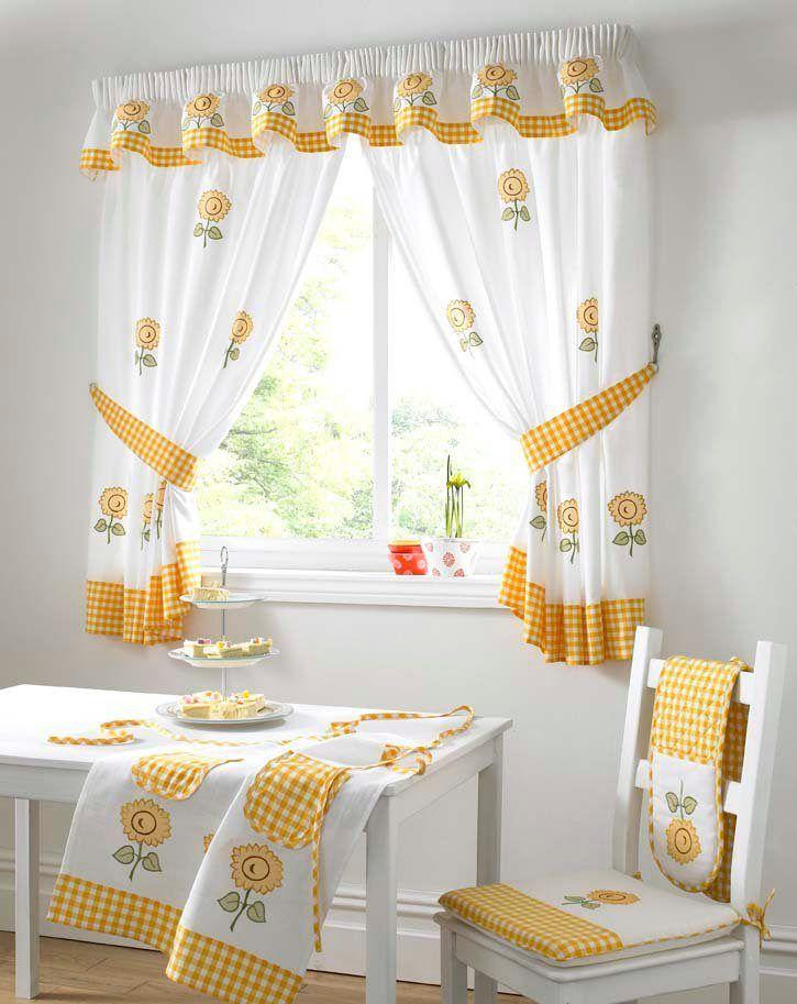 Cortinas floridas para la cocina :: Las cortinas son un excelente accesorio para las ventanas de la cocina, pero al ser un espacio tan delicado necesitan ser de un determinado tipo para resistir las inclemencias propias de este lugar. Veamos consejos para elegir las cortinas para la cocina.