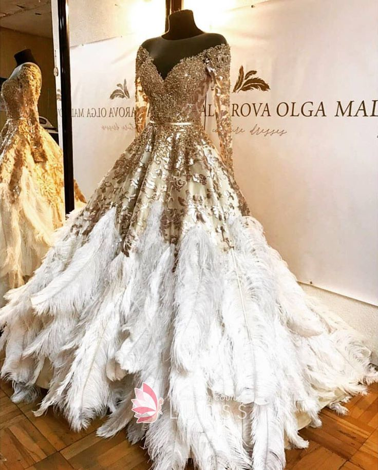 Luxury Gold Beading Lace Feathers Plunging Off-shoulder Long Sleeve Ball Gown