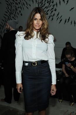 Clássico vs Extravagante: o contraste dos looks dos convidados da Semana da Moda de Nova Iorque. Kelly Bensimon.
