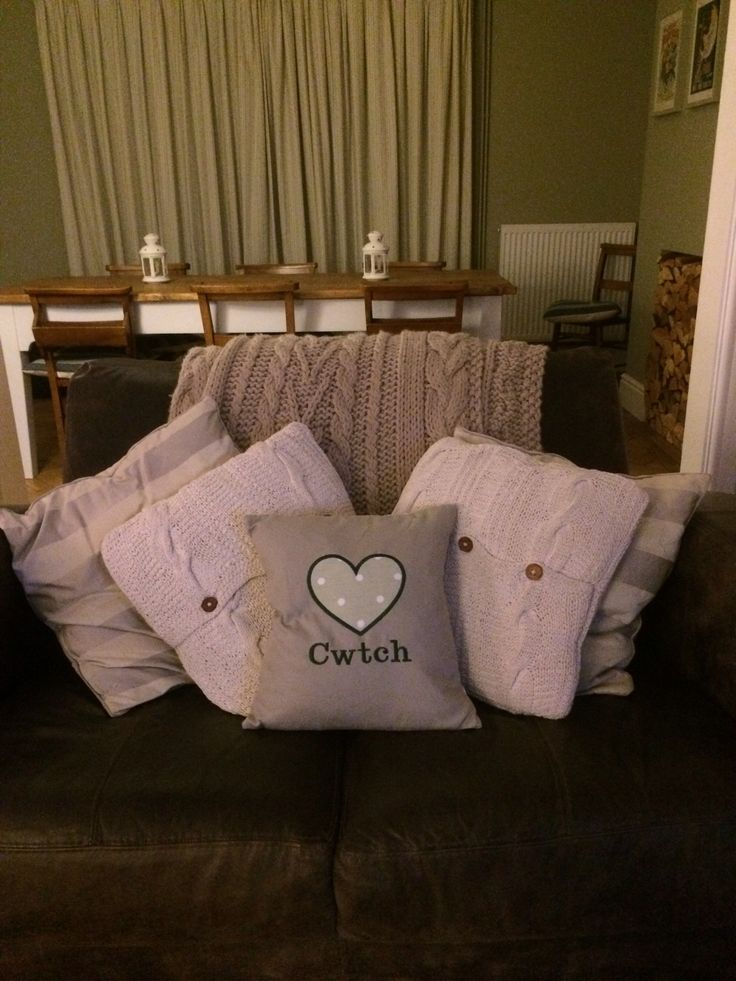 New cwtch cushion