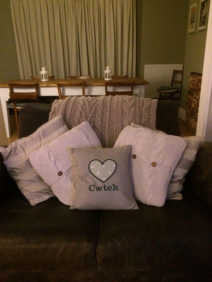 New cwtch cushion