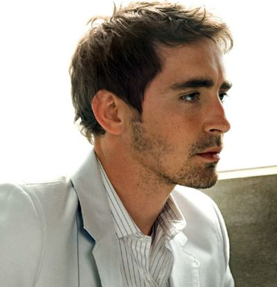 Handsome man, I do not know who you are, but you look like you would have a British accent. oh my.... lol [okay, I now know this is Lee Pace] :)
