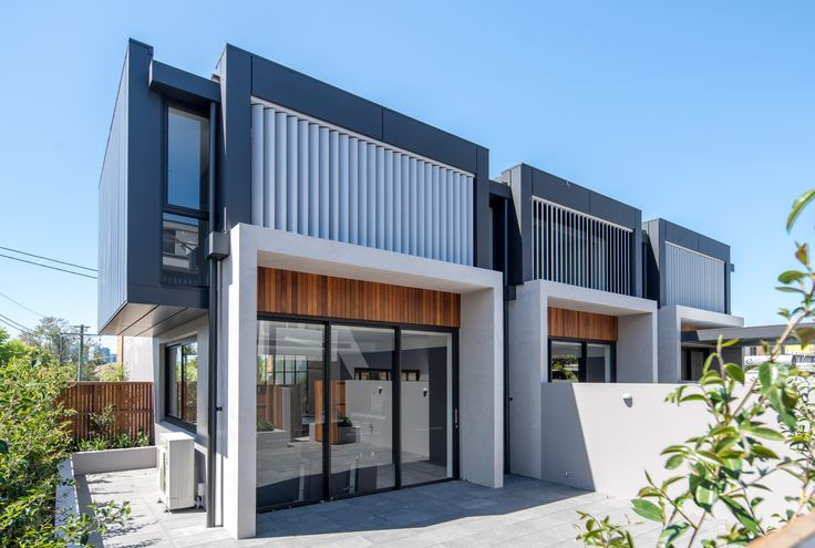 This Project features our: elZinc Ebano and elZinc Slate System: Combination V25 cassettes and angle standing seams Location: Beattie St, Balmain NSW In collaboration with: @aboutsjb | Royal Building Company