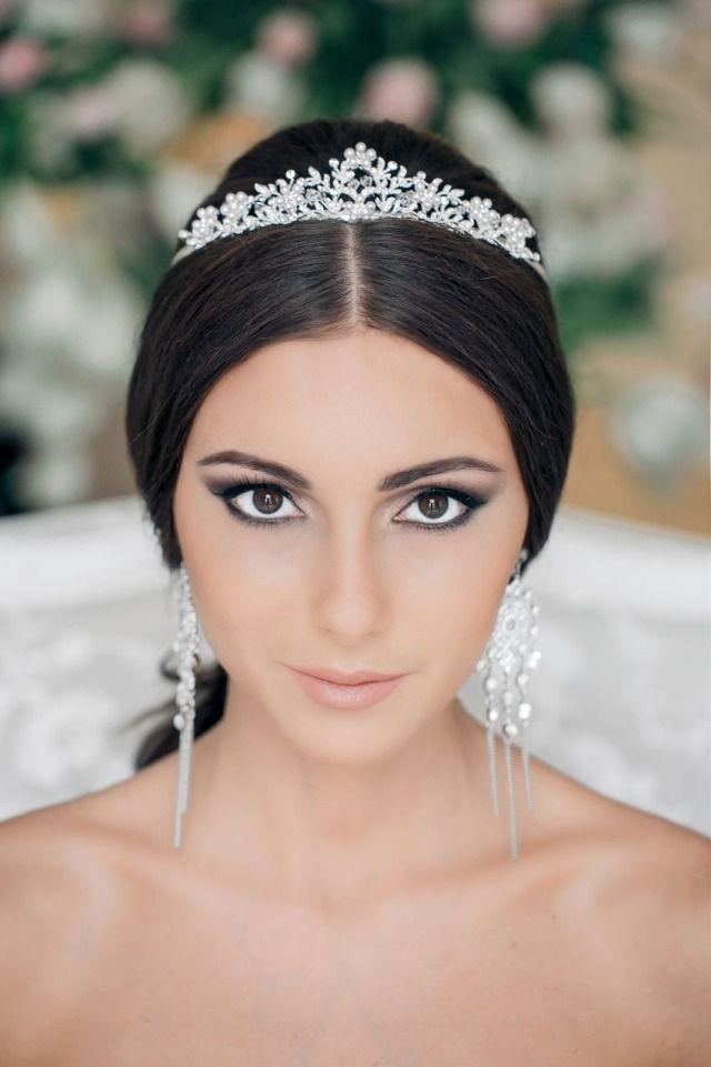 maquillage mariée exotique, oeil de biche smokey et diadème
