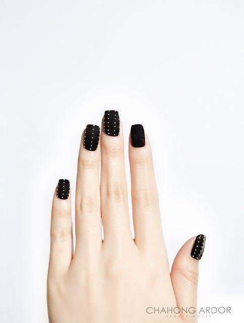 Rock Chic Black #nailart #nail #beauty #chahongardor