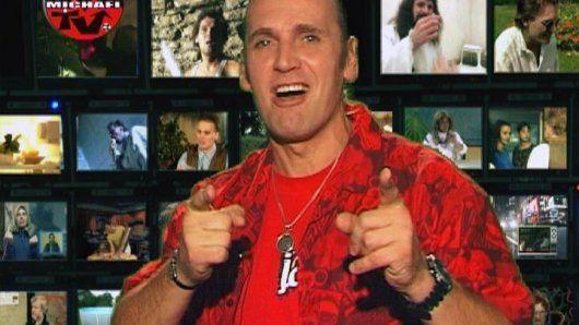 COMEDY NIGHT LIVE aneb Vraťte Vrtulníka do TV !  živě vysílaná hudebně-zábavná show Michaela V. z J.A.R. ve stylu jeho legendární Runway p...