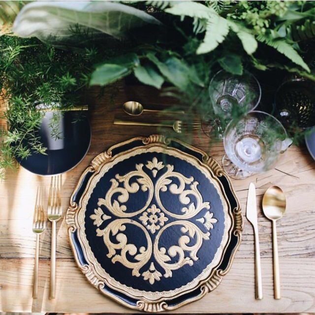 Navy and gold gorgeousness! Image via @casadeperrin #partyideas #partyplanner #partystyling #partyplanning #partystylist #eventdesign #eventplanner #navy #wedding #weddingideas #weddingplanner #weddingphotography #diyparty #diywedding #beautiful #thepartyatelier #weddingtable #tableideas #tablescape #tablesetting #love #gold