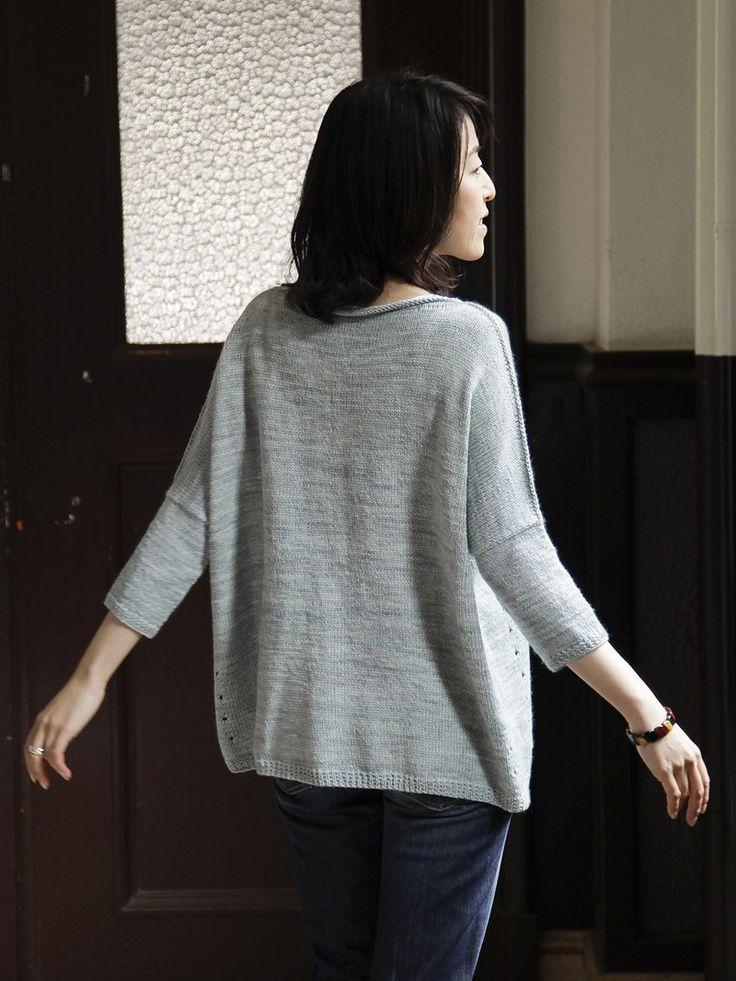 """Глядя на этот пуловер, сразу окунаешься в уютный мир. Пуловеры в стиле """"оверсайз"""" всегда выглядят домашними и от э..."""