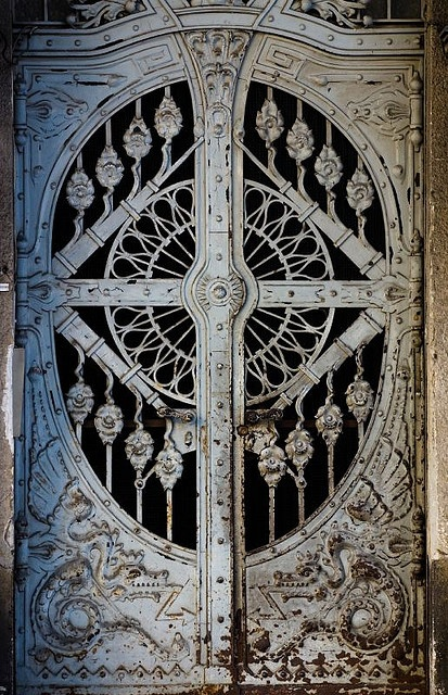 beautiful carvings #door