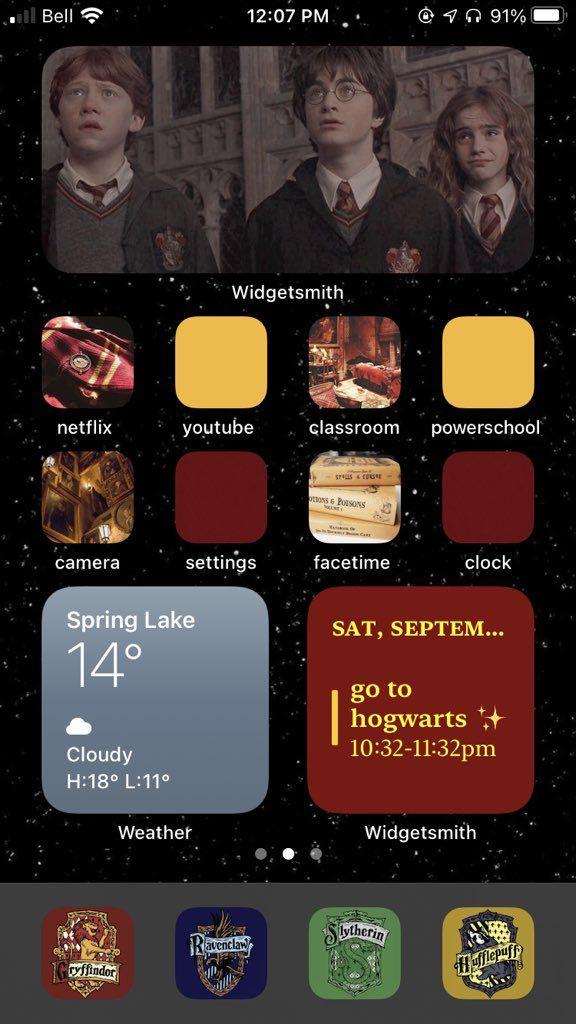 Olivia On Twitter Harry Potter Iphone Iphone Wallpaper App Iphone App Design