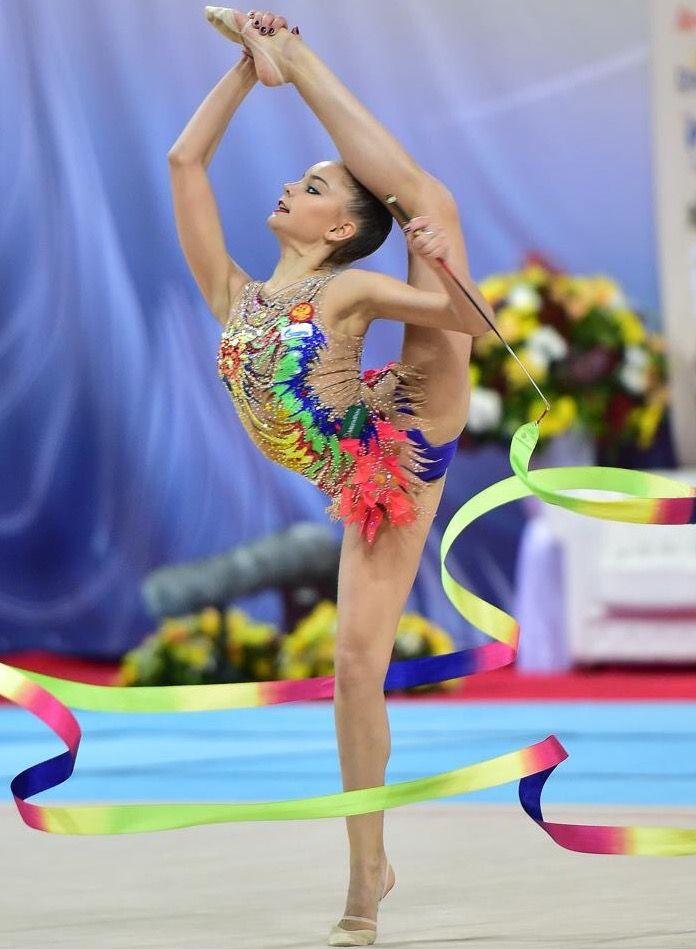 2237 besten rhythmic gymnastics bilder auf pinterest rhythmische sportgymnastik russland und. Black Bedroom Furniture Sets. Home Design Ideas