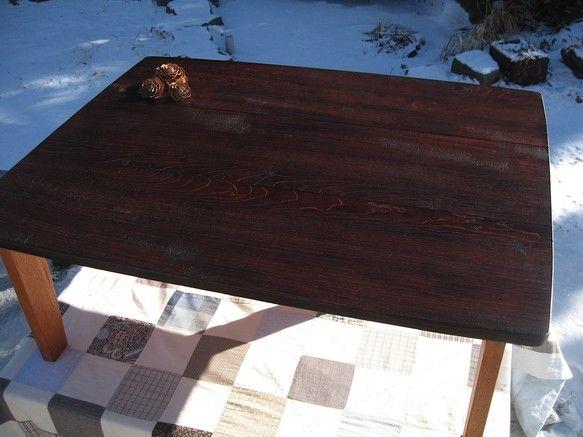 国産の広葉樹無垢材を使ったシンプルで大きめのローテーブルです。 コーナーには少し丸みを持たせ柔らかい感じに仕上げております。薄い材料(20mm厚み)を使います...|ハンドメイド、手作り、手仕事品の通販・販売・購入ならCreema。