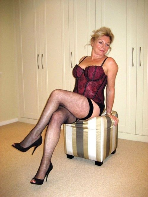 cameron mills mature women dating site This is the cameron canada biography from freeones which covers detailed biographical information about her.