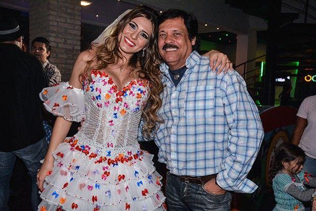 Lívia Andrade e Carlinhos (Foto: Caio Duran/Agnews)