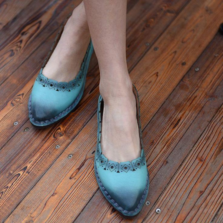 Туфли на плоской подошве Artmu   Новинка - весна 2017! Оригинальные туфли на плоской подошве. Низкий каблук - 1,5 см, заострённый мыс, декоративные отверстия, натуральная кожа. Бренд: Artmu. ☮️Цена: 3 200 руб. Под заказ. Доставка из Китая 2-3 недели. +7 (916) 051-60-02 (whatsapp, viber, telegram) Больше моделей и фотографий на сайте: bohomagic.ru. http://bohomagic.ru/shop/for-her/artmu-kozhanye-tufli/ #бохокупить #бохомагазин #бохошик #бохоодежда #одеждабохо #богемнаяодежда #бохостиль…