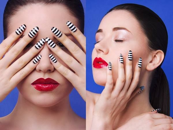 Black and White Stripes Twiggy-inspired Nail Art on Vacation
