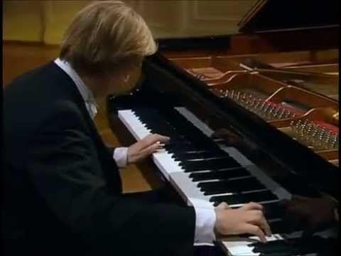"""BURKARD SCHLIESSMANN: Liszt-Schubert """"Ständchen: Leise flehen meine Lieder"""" - YouTube"""
