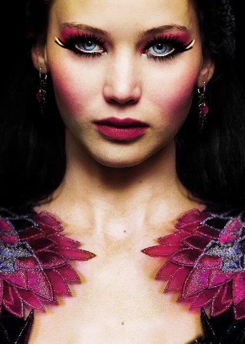 Jennifer is absolutely stunning as Katniss Everdeen in Catching Fire. Makeup inspo.