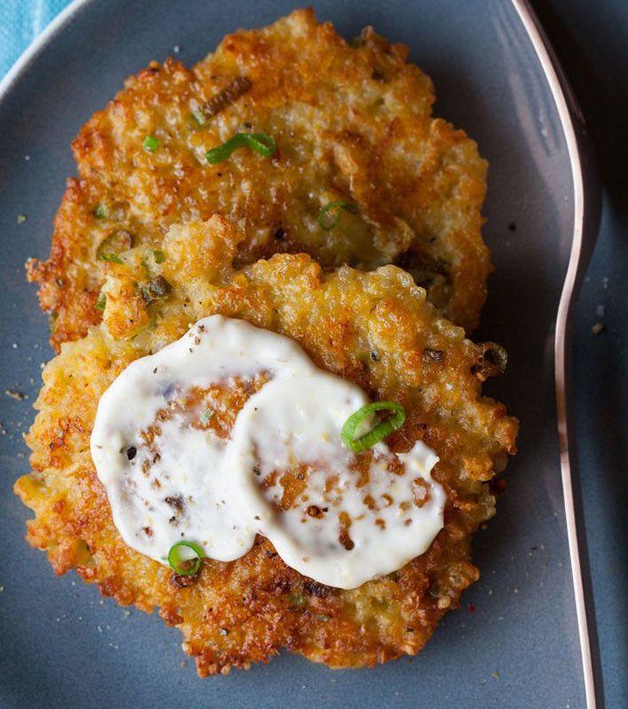 ... Quinoa Cakes, Food, Recipes, Roasted Garlic, Cheesy Quinoa, Aioli Yum