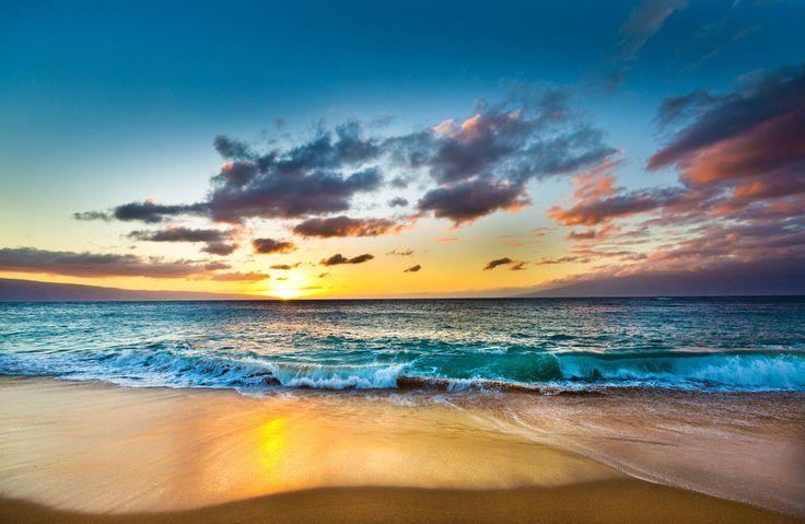 Ka'anapali Beach Lahaina, Hawaii water sky Beach shore Sea outdoor Ocean horizon body of water cloud Sunset sunrise wave wind wave Coast afterglow dawn Nature morning dusk evening sand sunlight