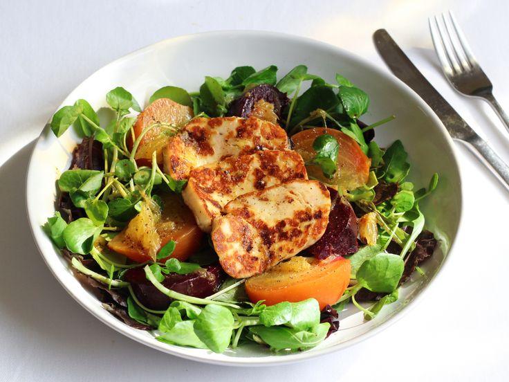 Beetroot and halloumi salad