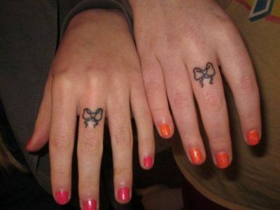 sister tattoosTattoo Ideas, Best Friends, Friends Tattoo, Fingers Tattoo, Matching Tattoo, Bows Tattoo, A Tattoo, Sister Tattoos, Sisters Tattoo