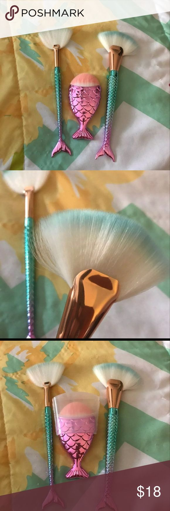 Mermaid Tail Highlighter and Fan Brushes BRAND NEW NEVER USED No TRADES Price is Firm flawnin brush shown in photo 3 Makeup Brushes & Tools
