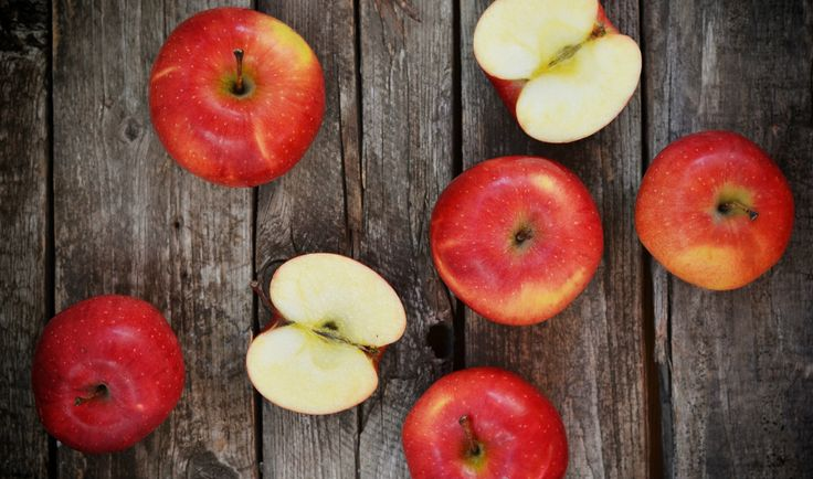 Nejoblíbenější ovoce je skvělé za syrova, ale i tepelně upravené, na sladko i na slano. Dopřejte si podzim plný jablečných receptů, máme pro vás ty nejlepší...