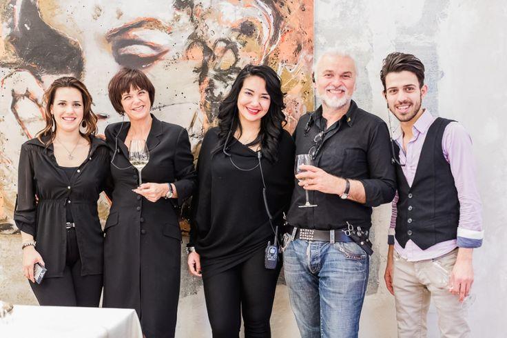 Una bella foto di gruppo! Ecco le immagini del primo evento dedicato all'arte e organizzato nella Goran Viler Hair SPA di #Trieste #art http://www.goranviler.com