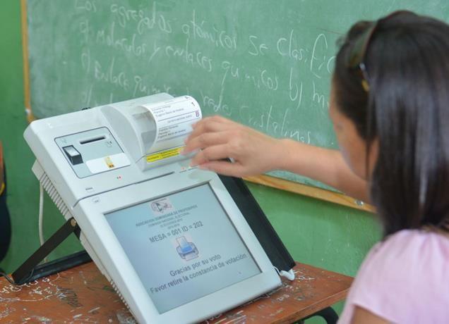 JCE afirma voto electrónico agilizará resultados elecciones. DETALLES: http://www.audienciaelectronica.net/2016/03/jce-afirma-voto-electronico-agilizara-resultados-elecciones/