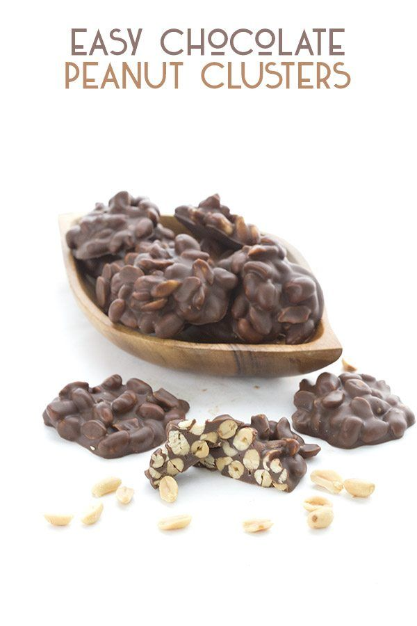 3-ingredient low carb chocolate peanut clusters. Such an easy sugar-free keto treat, the whole family will love it! via @dreamaboutfood