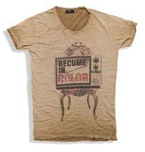 Μοδάτα μακό μπλουζάκια σε  παλ αποχρώσεις με vintage στάμπες 100% βαμβακερά.11 διαφορετικά σχέδια σε κανοική γραμμή, η απόλυτη τάση του φετινού καλοκαιριού.Ενα μπλουζάκι που θα φορεθεί πολύ με τζιν βερμούδες για denim εμφανίσεις.#Millenniumshop