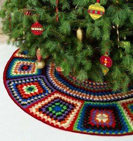 Granny Tree Skirt in Red Heart Super Saver Economy Solids - LW3208