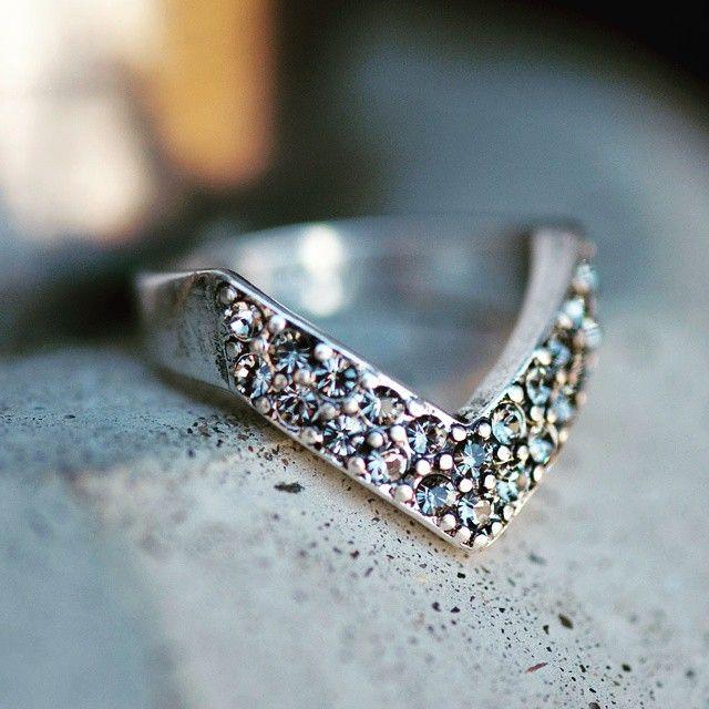 #A&C #beautifula&cjewellery #ring #rings #ringsobsessed #ringsofinstagram #jewelryofinstagram #fashionaccessories #fashion #accessories #jewellery #jewelry #merx #merx_inc @merxinc