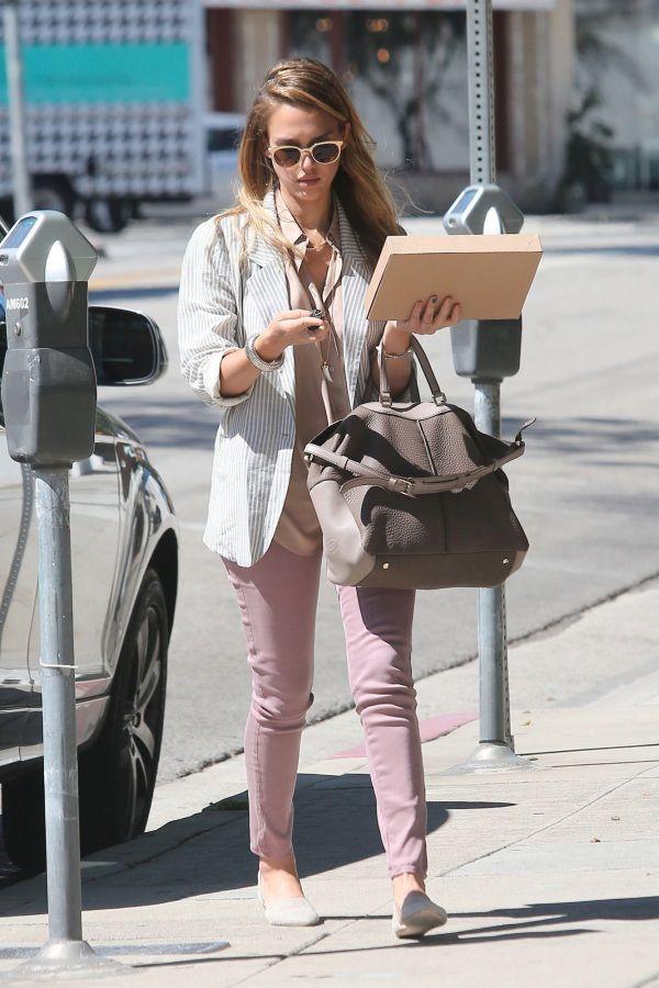 Jessica Alba in J Brand Skinny Jeans
