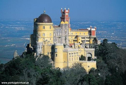 Sintra, Portugal Palace - real Sleeping Beauty place .... loved it when I was there! Really feel like a princess!